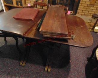 327 Duncan Pfife table