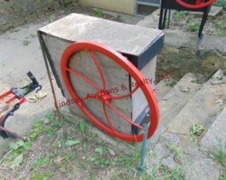 334 Wood boxed steel wheeled corn sheller