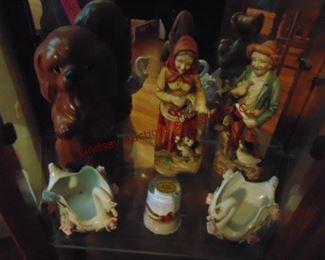 186 figurines