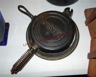 301 Stover 8 cast iron flip waffle maker