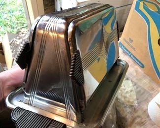 Vintage toaster looks brand new
