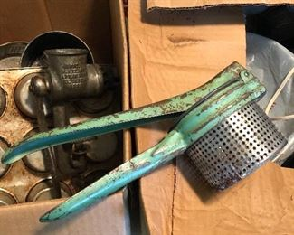 Tons of vintage kitchen items