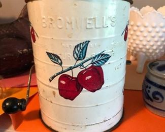 Bromwell sifter apple design
