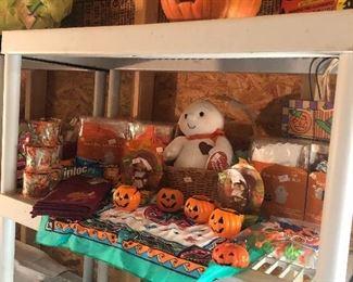 Lots of seasonal mostly vintage Halloween