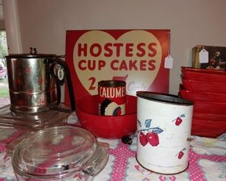 Vintage signs and kitchen stuff