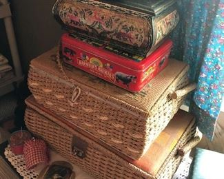 Lots of vintage sewing baskets and sewing notions