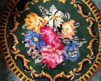 """Hand latched round rug 44"""" round"""