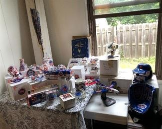 Large collection of collectible Met's items, all with original boxes and paperwork