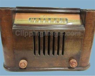 1940's console radio