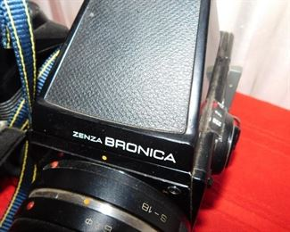 Senza Bronica camera