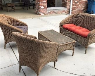 Wicker loveseat, 2 chairs and coffee table