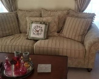 Formal Living room furniture like new with all accents