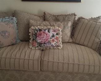 formal love seat
