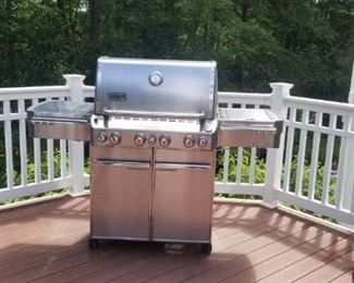 weber gas grill, converted to gas but can be switched to propane