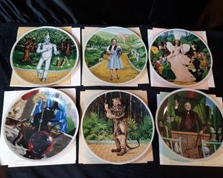 Knowels limited edition of The wonderful wizard of Oz collectible plates