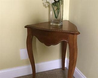 Ethan Allen Hallway Corner Table