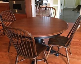 Beautiful Kitchen Table from Ethan Allen with Four Chairs from Tom's Price Nichols and Stone
