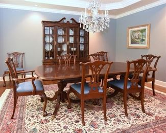 GORGEOUS HICKORY WHITE Dining Room Table w/8 Chairs & Lighted Breakfront.                                                         9 x 12 Persian Tabriz Rug