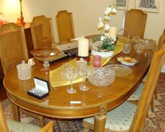 Thomasville dining room suite, table, eight chairs and buffett