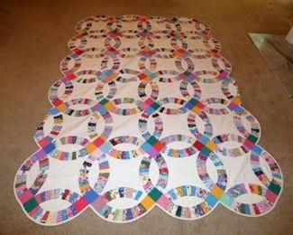 "Handmade Quilt ""Wedding Ring"""