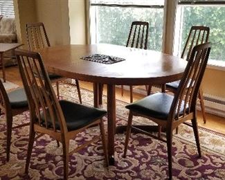 6 Eva Stuhl for Niels Koefoed chairs in perfect condition, Koefeod table with 2 additional leaves (Danish)