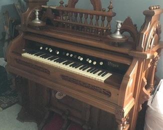 Restored PUMP ORGAN...Strong tone!