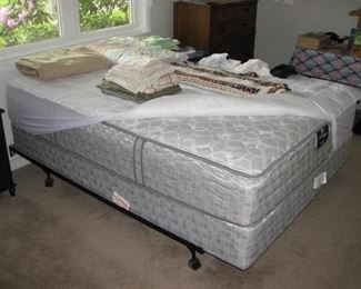 Like new Serta mattress and box spring paid $1200.00