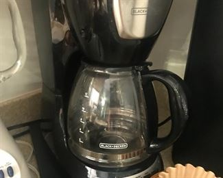 several kitchen appliances/good