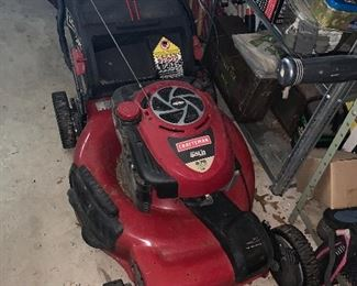 Powered mower in excellent condition