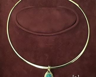 Reversable 14 kt Necklace with 14 kt bezel with jade pendant.