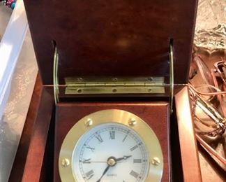 battery operated clock in wood box