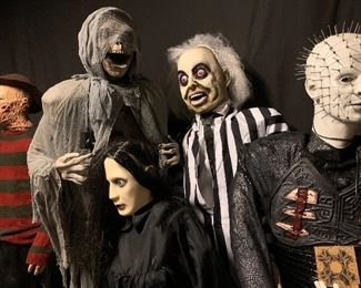 SPOOKED! Massive collection of Halloween Animatronics. #happyhunting
