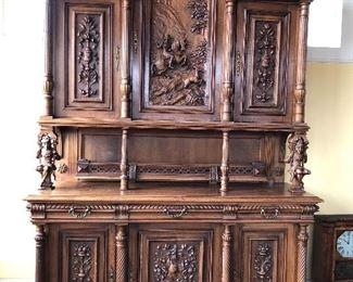 carvedhutch