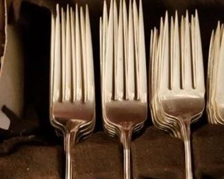Wallace Grand Colonial sterling flatware