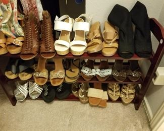 ladies' shoes - mostly sizes 6-7