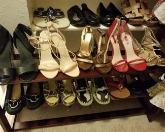 ladies' shoes- mostly sizes 6-7