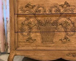 Lexington Furniture, Detail