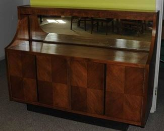 MID-CENTURY MODERN SIDEBOARD/BUFFET WITH MIRROR