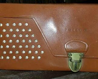 Vintage Philco radio in perfect condition.