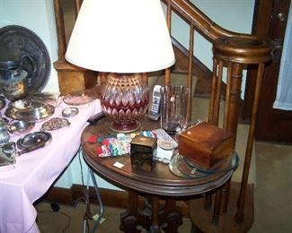 WALNUT VICTORIAN PARLOR TABLE, SMALL BOXES. LAMP & MISC.