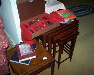NEST OF  BANDED MAHOGANY TABLES, SILVER-PLATE FLATWARE & BOOKS