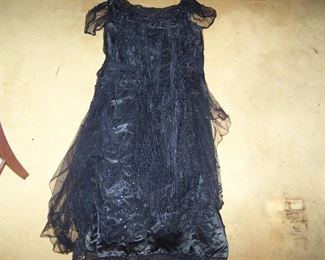 1920s BLACK SEQUINED EVENING DRESS