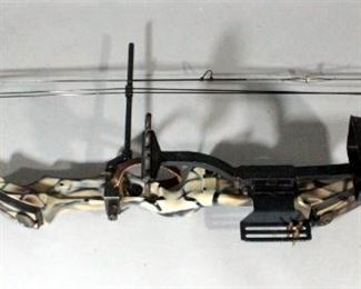 Bear Super Magnum 44 Compound Bow With Game Tracker Quiver