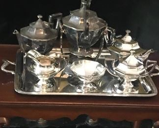 Wonderful old silver service, I hope I can finish polishing it before the sale for someone to enjoy!
