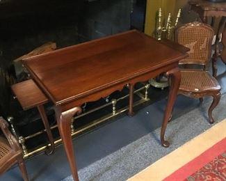 Kitinger Tea Table