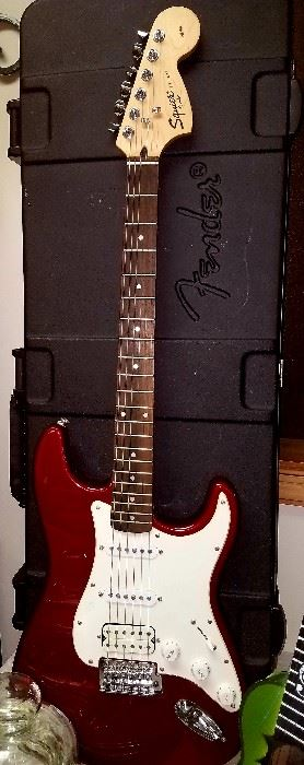 Fender Squier Strat guitar w/case