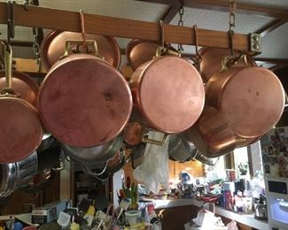 Lots of quality pots and pans