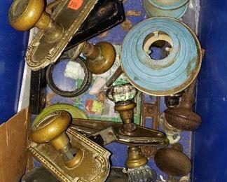 vintage hardware, door knobs
