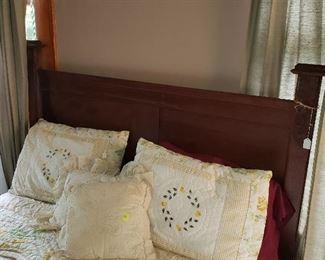 bedroom, linens