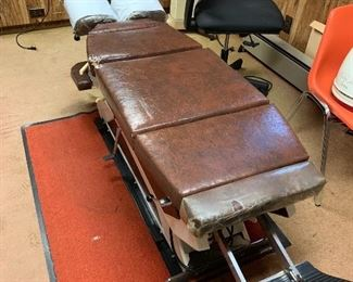Chiropractor Adjusting Table